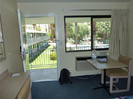 棕櫚泉東 - E 棕櫚峽谷 6 號汽車旅館照片