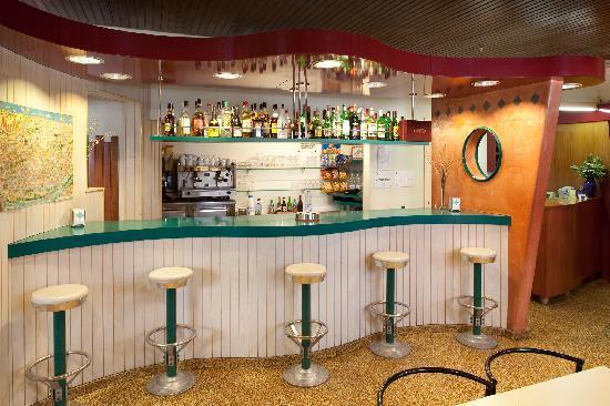 Hotel Torres Manlleu: Bar