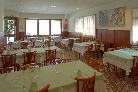 Hotel Torres Manlleu: Restaurant La Fonda