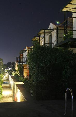 Pelagos Holidays Apartments : evening view from pool