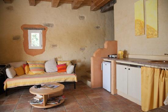 """Domaine du Soleil: """"Aurora"""" Livingroom"""
