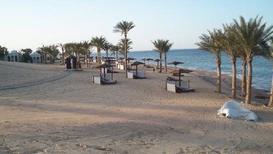 The Oberoi Sahl Hasheesh: beach