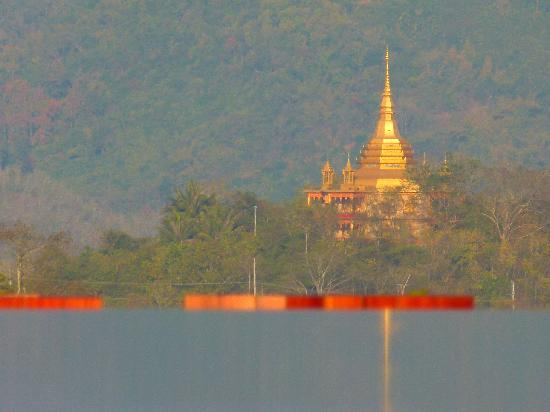 Luang Prabang View Hotel: temple off in the distance (one of the many)