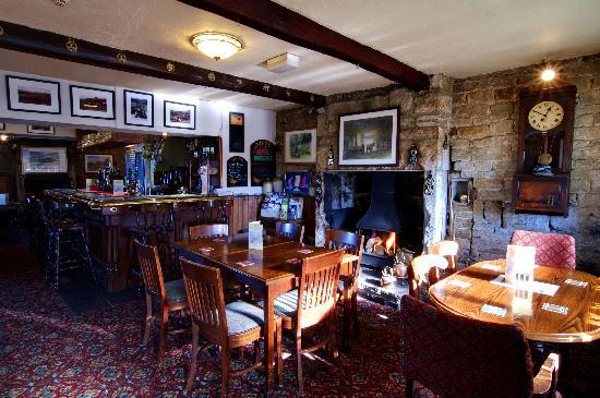 Hare and Hounds Country Inn: The main bar