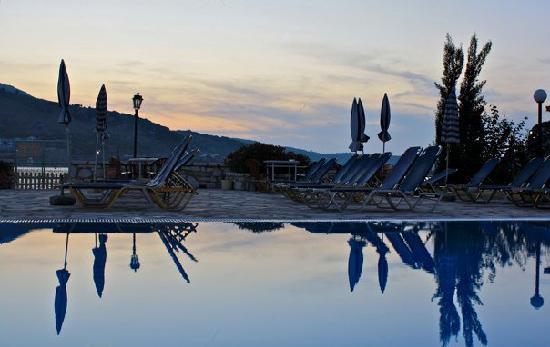 Theofilos Studios & Apartments: Theofilos House by the sea