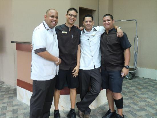 Doubletree by Hilton San Juan: Bellman / Valet crew