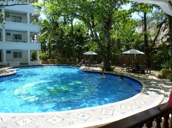 Grand Boracay Resort : poolside