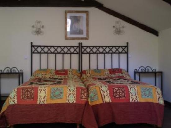 B B La Renardiere: bedroom