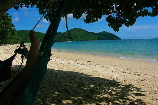 Yao Yai Resort: Beach to yourself!