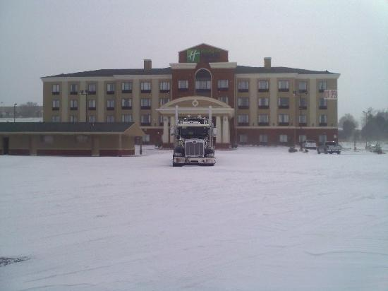 Holiday Inn Express Hotel & Suites Guthrie-North Edmond: Safe place in a blizzard!