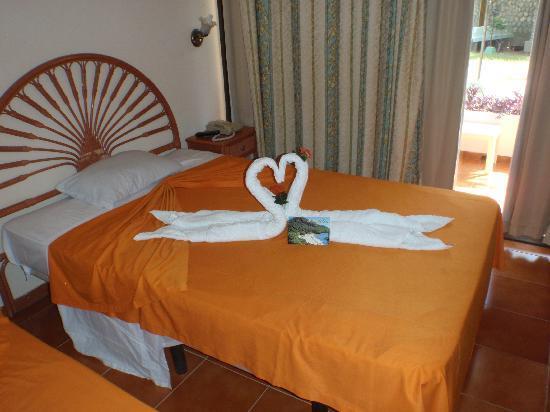 Club Amigo Carisol Los Corales: Maids artwork and thankyou note