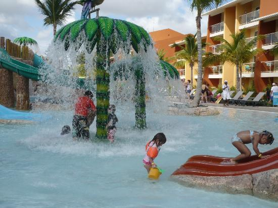 Barcelo Bavaro Palace : La piscine pour les enfants