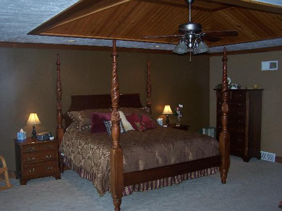 Quail's Covey Bed & Breakfast: Enjoy your stay in our 'Dogwood Suite'