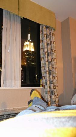 Holiday Inn NYC - Manhattan 6th Avenue - Chelsea: View from bed
