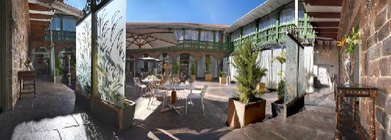 Aranwa Cusco Boutique Hotel: Inner courtyard - day.