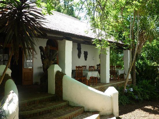 Old Thatch Lodge: Frühstücksterrasse