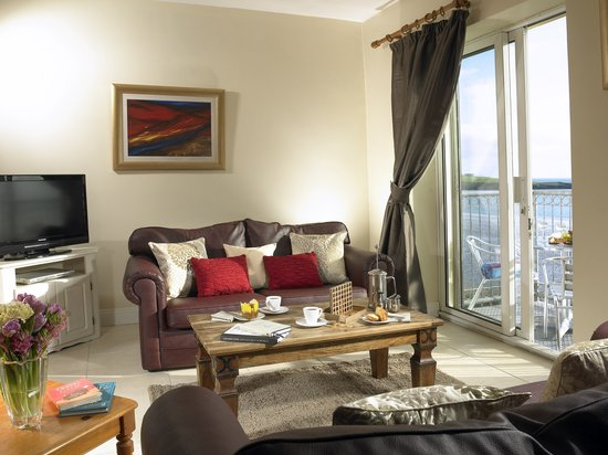 Inchydoney Island Lodge & Spa: Apartment Living Area