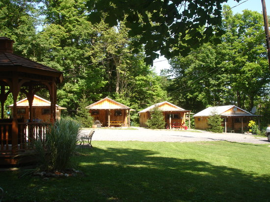 ‪‪Kingtown Beach Lakeside Cottages and Yurts‬: Cottage 1 - 4‬