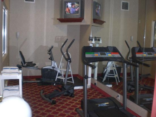 Quality Suites: Fitness Room