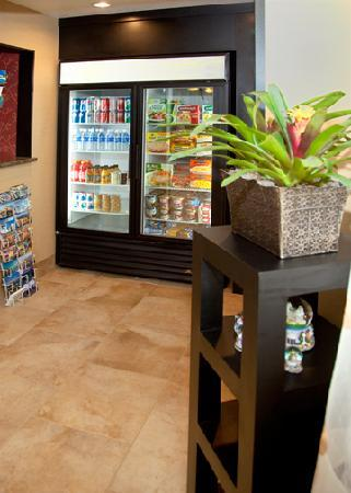 Comfort Inn Salt Lake City / Layton: 24-Hour Pantry Has Convenience Items As Well