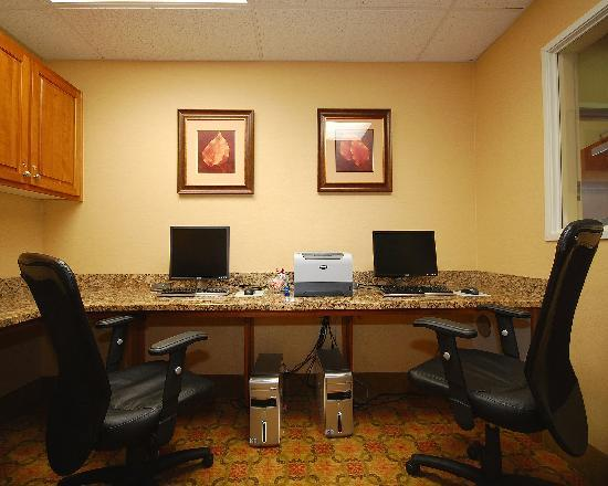 Comfort Suites Eugene: Business Center