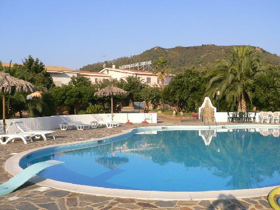 Hotel Il Castello: La piscina