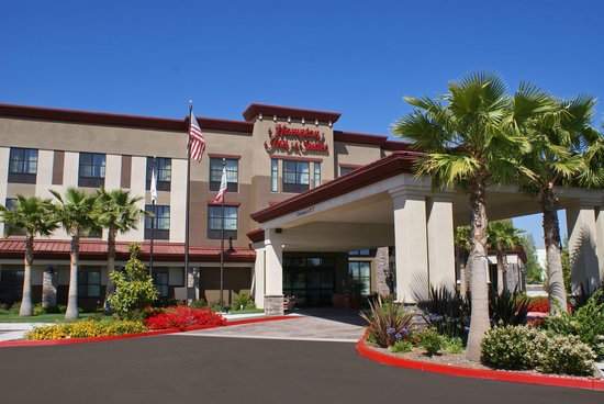 Hampton Inn & Suites San Diego-Poway: Hampton Inn & Suites Entrance