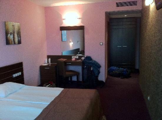 Budapest Hotel : nice spacious rooms