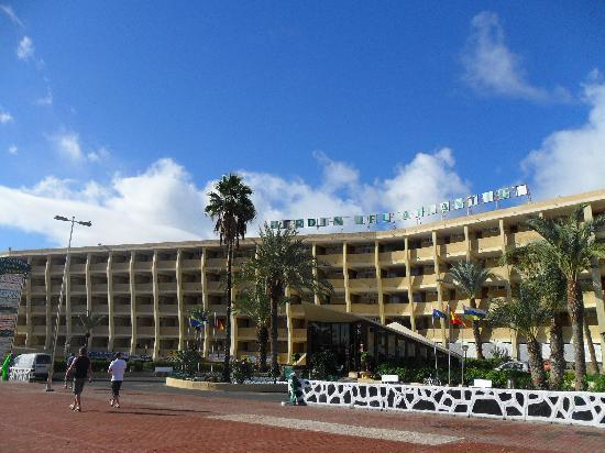 Front of hotel picture of jardin del atlantico playa for Aparthotel jardin del atlantico