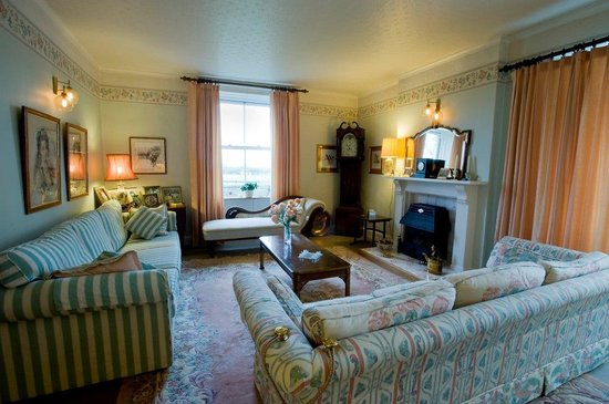 Wraxall, UK: Guests' Drawing Room