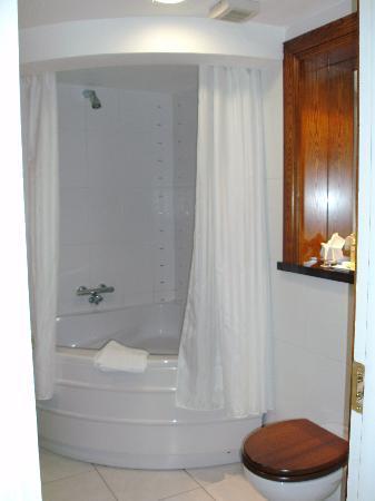 Imperial Hotel: Jacuzzi bath!