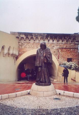 Monaco-Ville, Monako: Malizia-Denkmal