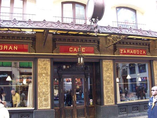 Gran Cafe: Aussenansicht Eingangstür