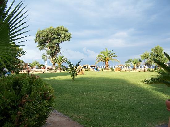 Best Western Irida Resort Kalo Nero Beach, Kalo Nero garden, Greece