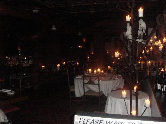 Klosteret Restaurant: Entrance into the restaurant