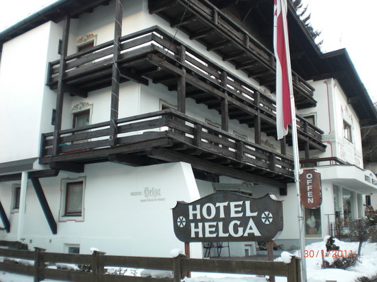 Hotel Helga: Front of hotel