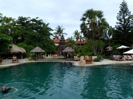 Bali Garden Beach Resort: pool bliss