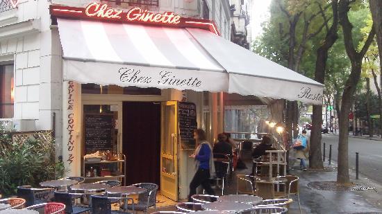Ginette de la Cote d'Azur: Outside Chez Ginette