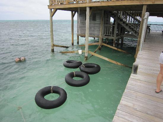 Banana Beach Resort: Palapas Bar-North end