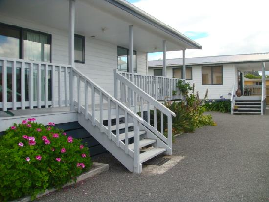 Blue Heron Bungalows : Units 1 & 2 with private porches