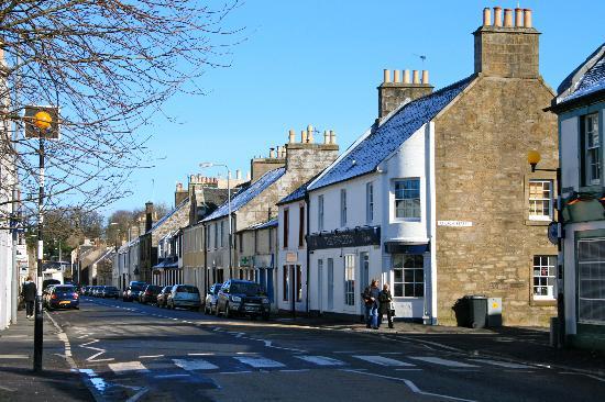 East Lochhead Cottages : Lochwinnoch Village