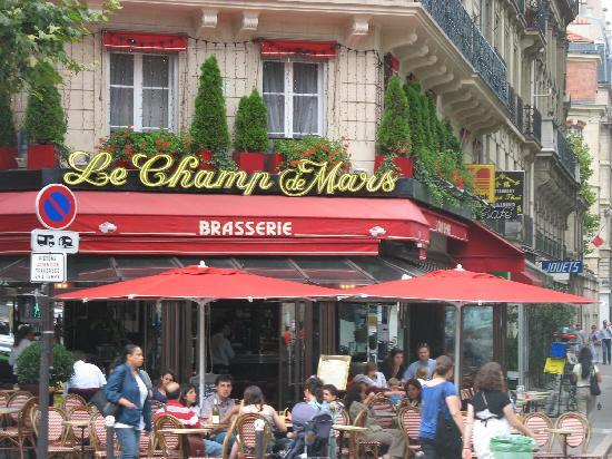 Paris, France: Champs de Mars (quartier)