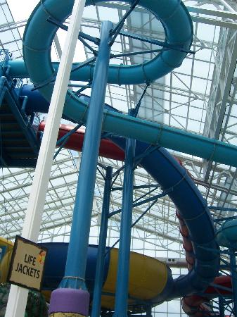 Big Splash Adventure Resort: Giant slides