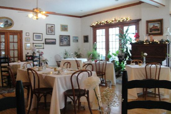 Washington Irving Inn: Dining Room