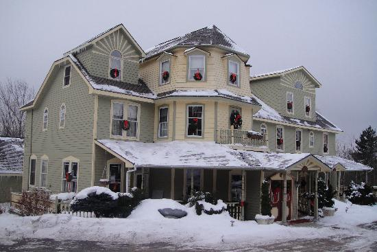 Washington Irving Inn: Christmasy