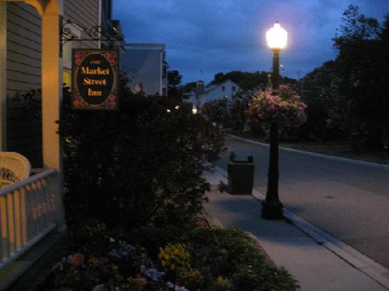 Market Street Inn: Market Street porch view