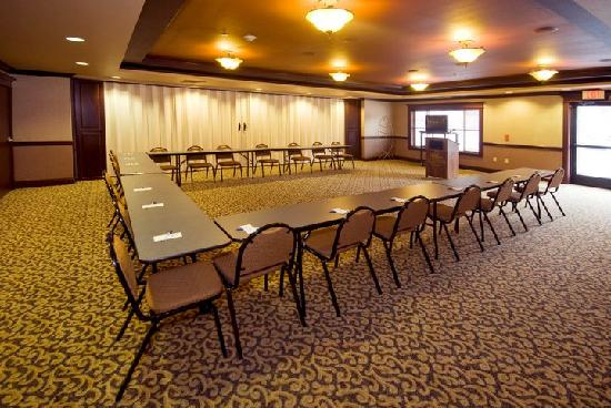 Holiday Inn Express & Suites - The Hunt Lodge: Meeting and Conference