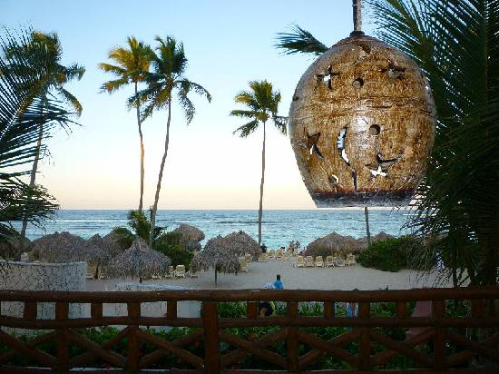 Majestic Elegance Punta Cana: sea and see restaurant patio