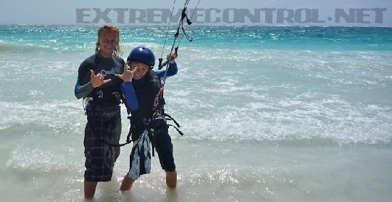 kitebording lesson and fun with extreme control in tulum