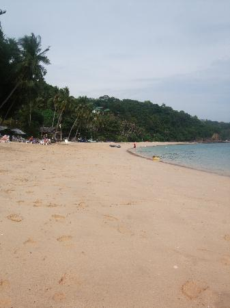 Sansuko Ville Bungalow Resort: The almost deserted beach you have all to yourself